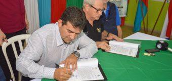 Firma de convenio de cooperación interinstitucional entre la Municipalidad de Bella Vista y La Junta de Saneamiento.