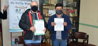 Firma de contrato entre la Municipalidad de Bella Vista y la empresa METALURGICA NUÑEZ.