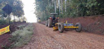 Mantenimiento y limpieza de cunetas de caminos rurales del Distrito de Bella Vista